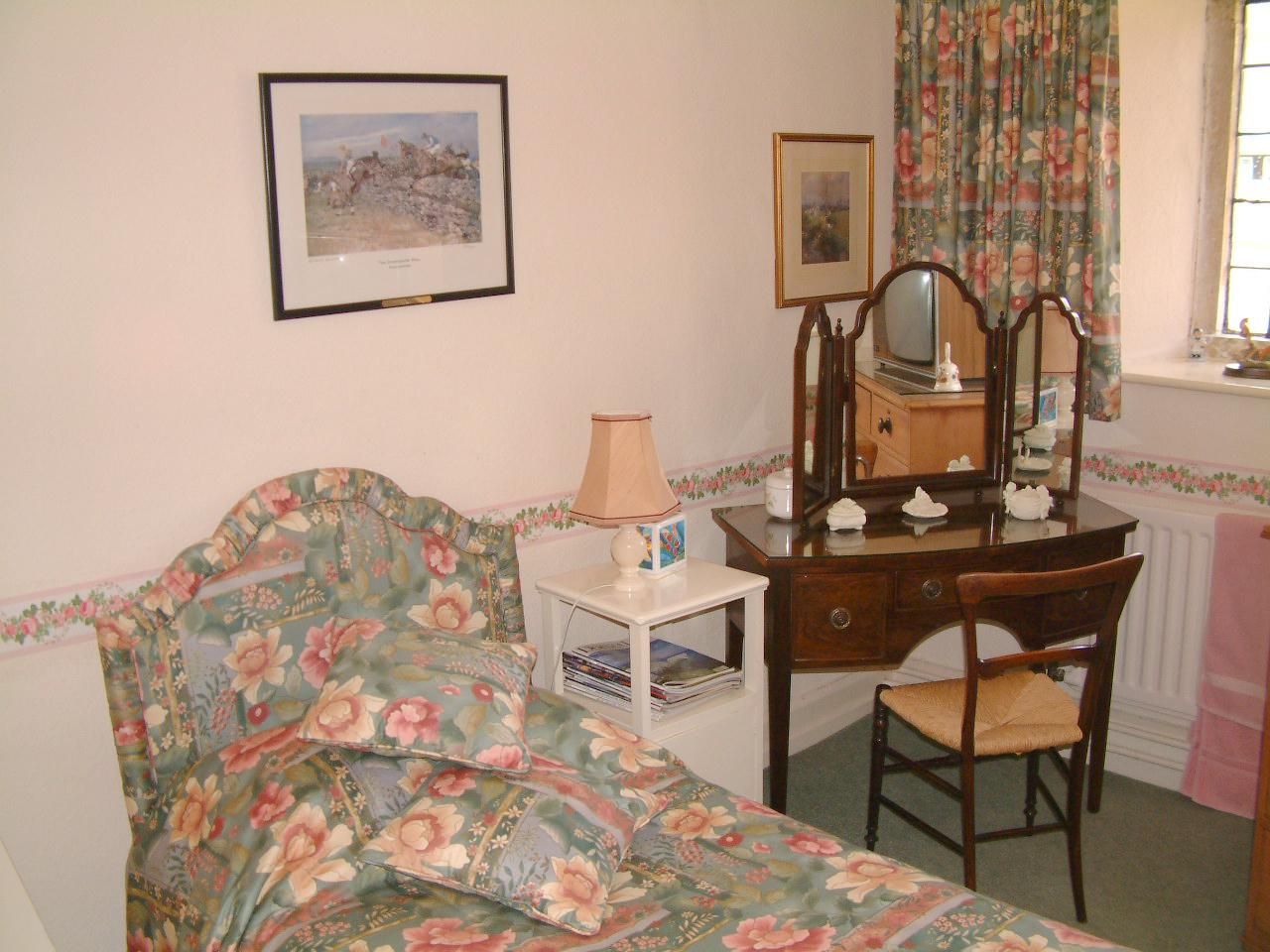 Small Single Bedroom Accommodation Seaborough Manor